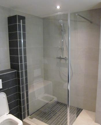 Badkamer renovatie loodgieter grimbergen sanitair badkamerrenovatie cv badkamer renovatie - Lay outs badkamer ...